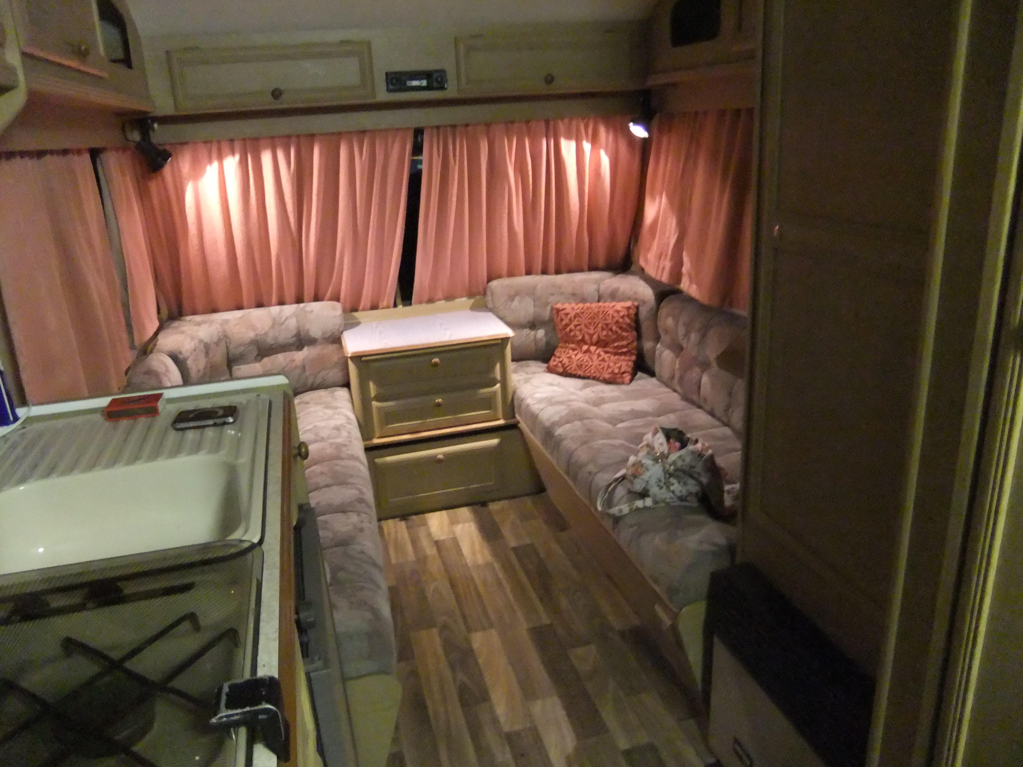Caravana en sevilla de segunda mano musketter tucaravana Mobiliario hosteleria segunda mano sevilla