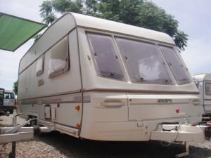 EXT. 2 300x225 Caravana muy barata tipo inglesa de 2 ejes y sin documentación.