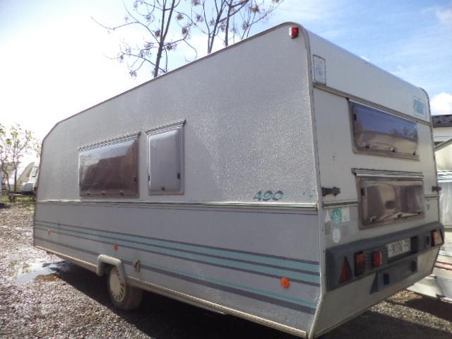 Caravana usada Roller Sevilla sin papeles.
