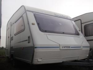 EXT.1 BEYERLAND 300x225 Caravana de ocasión Beyerland sin papeles. Dispongo de otras 25 caravanas sin papeles.